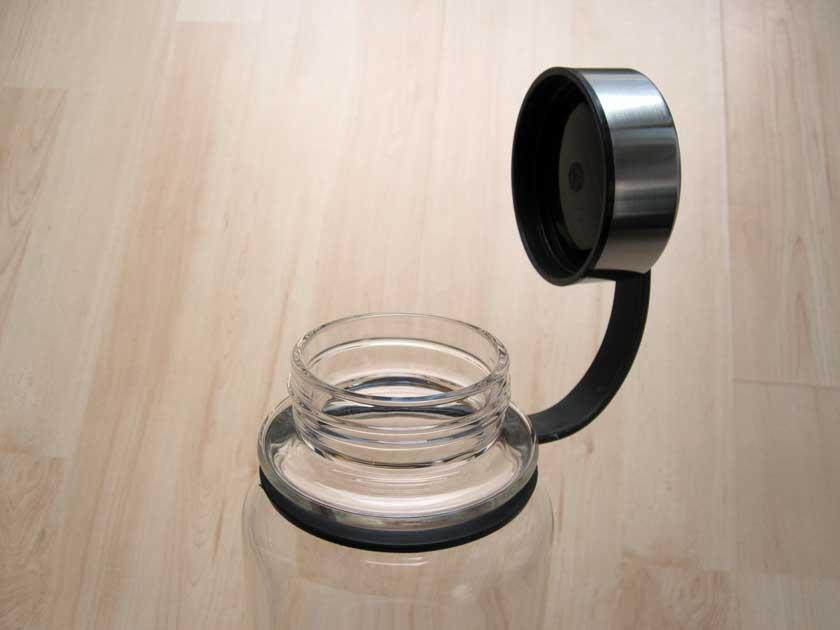leve-glasflasche-detail-deckel